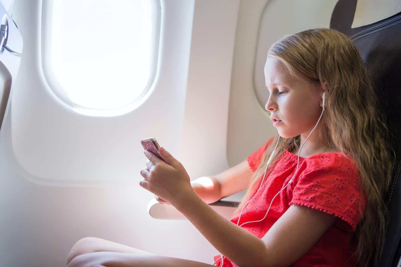 headphones kid flight